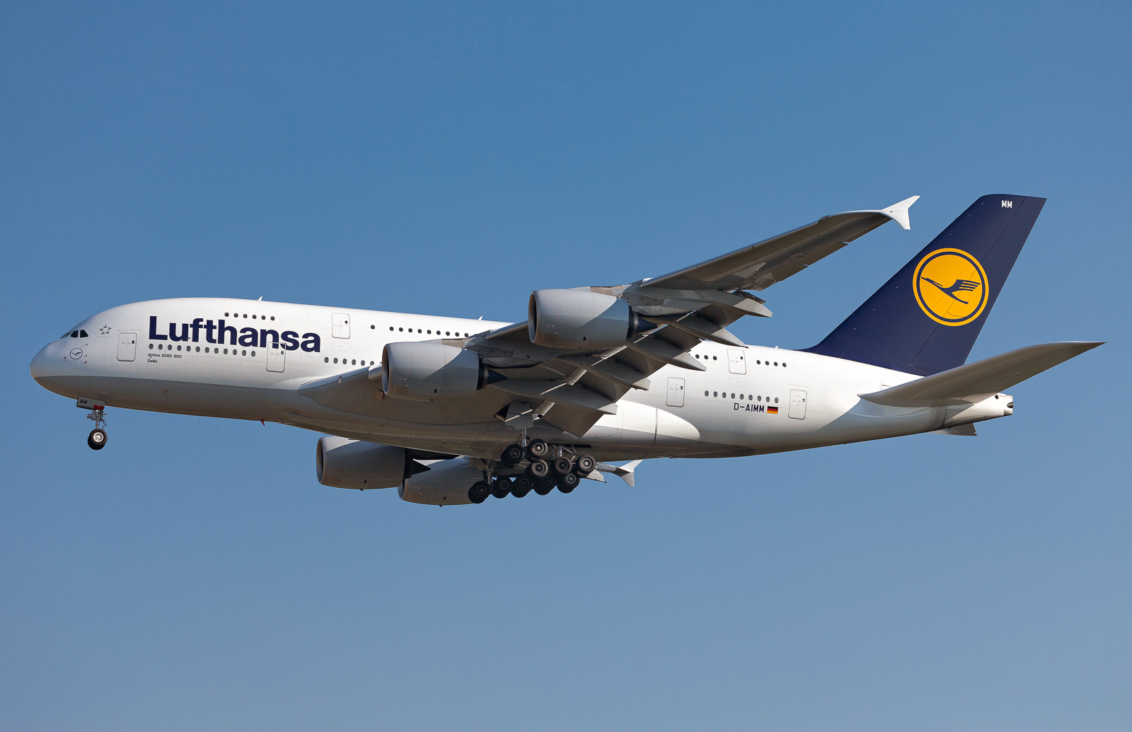 airbus a380 800 lufthansa photos and description of the plane. Black Bedroom Furniture Sets. Home Design Ideas