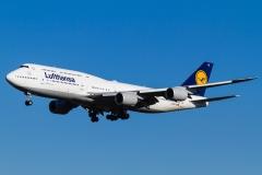 d-abyd-lufthansa-boeing-747-8