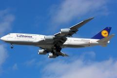 d-abyg-lufthansa-boeing-747-830