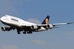 d-abyh-lufthansa-boeing-747-830