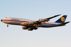 d-abyt-lufthansa-boeing-747-800