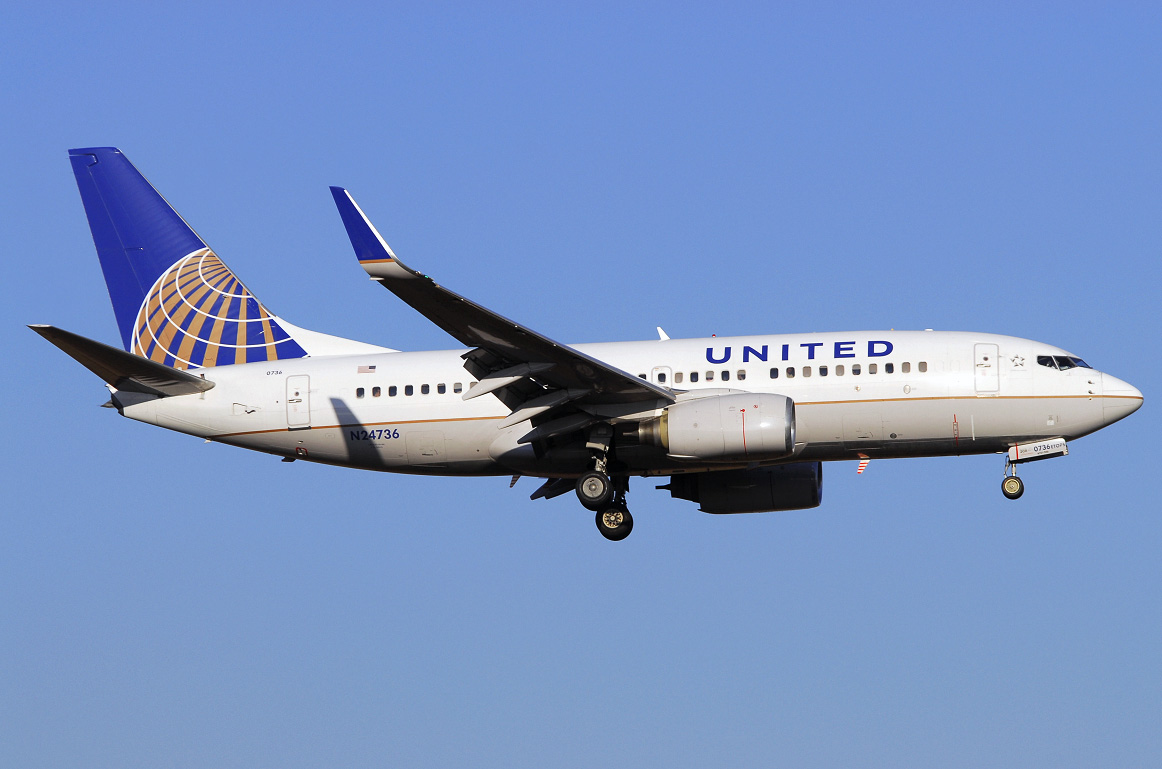 Boeing 737 700 United Airlines Photos And Description Of