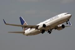 n12218-united-airlines-boeing-737-824wl