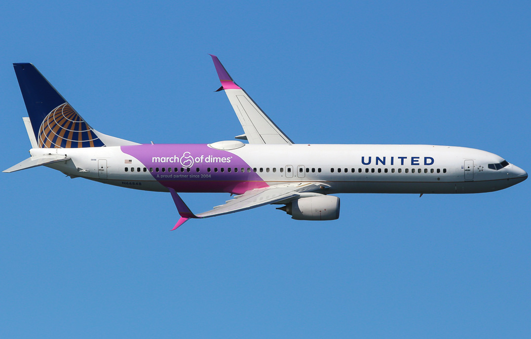 Boeing 737 900 United Airlines Photos And Description Of