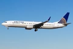 n37419-united-airlines-boeing-737-924erwl