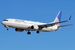 n37437-united-airlines-boeing-737-924erwl