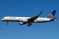 n587ua-united-airlines-boeing-757-222wl