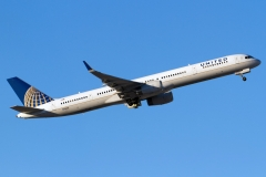 n75851-united-airlines-boeing-757-324wl