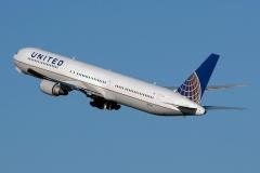 n76062-united-airlines-boeing-767-424er