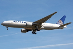 n776ua-united-airlines-boeing-777-222