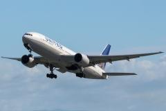 n784ua-united-airlines-boeing-777-222er