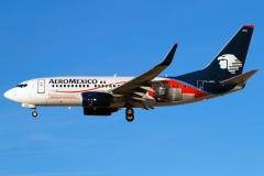 xa-gol-aeromxico-boeing-737-700