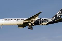 Boeing_777-219ER_Air_New_Zealand