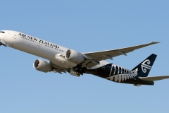 zk-okm-air-new-zealand-boeing-777-319er