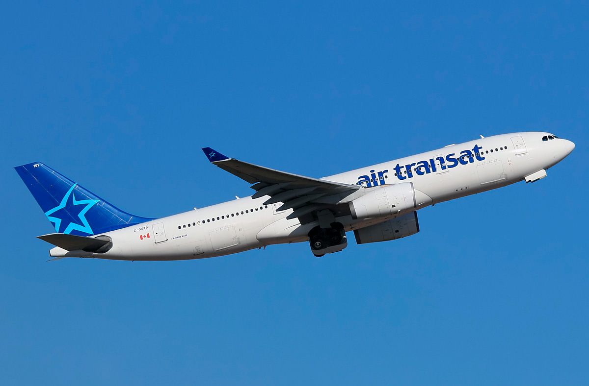 Airbus A330 200 Air Transat Photos And Description Of The Plane