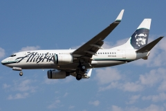 n613as-alaska-airlines-boeing-737-790wl