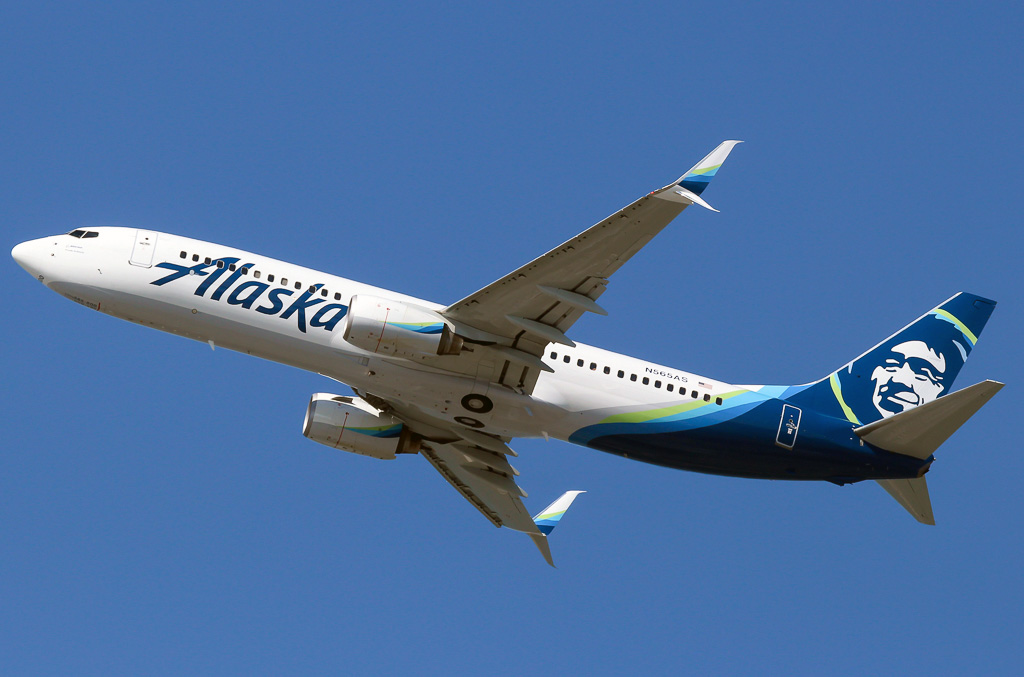 Boeing 737 800 Alaska Airlines Photos And Description Of