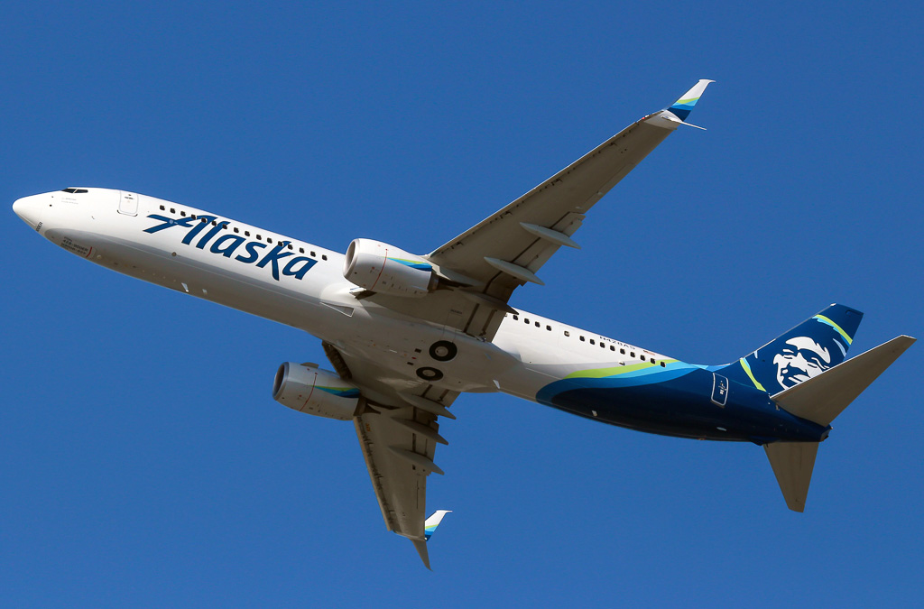 Boeing 737 900 Alaska Airlines Photos And Description Of