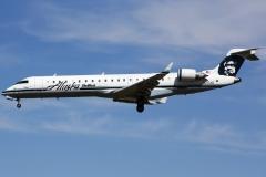 n217ag-alaska-airlines-canadair-cl-600-2c10-regional-jet-crj-701er
