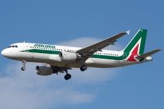 ei-dtn-alitalia-airbus-a320-216