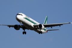 ei-ixh-alitalia-airbus-a321-112