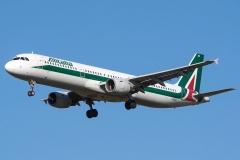 i-bixr-alitalia-airbus-a321-112