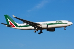 ei-ejl-alitalia-airbus-A330-200