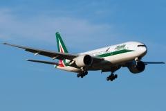 ei-dbl-alitalia-boeing-777-243er