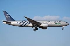 ei-ddh-alitalia-boeing-777-200