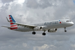 n142an American Airlines Airbus A321-231wl