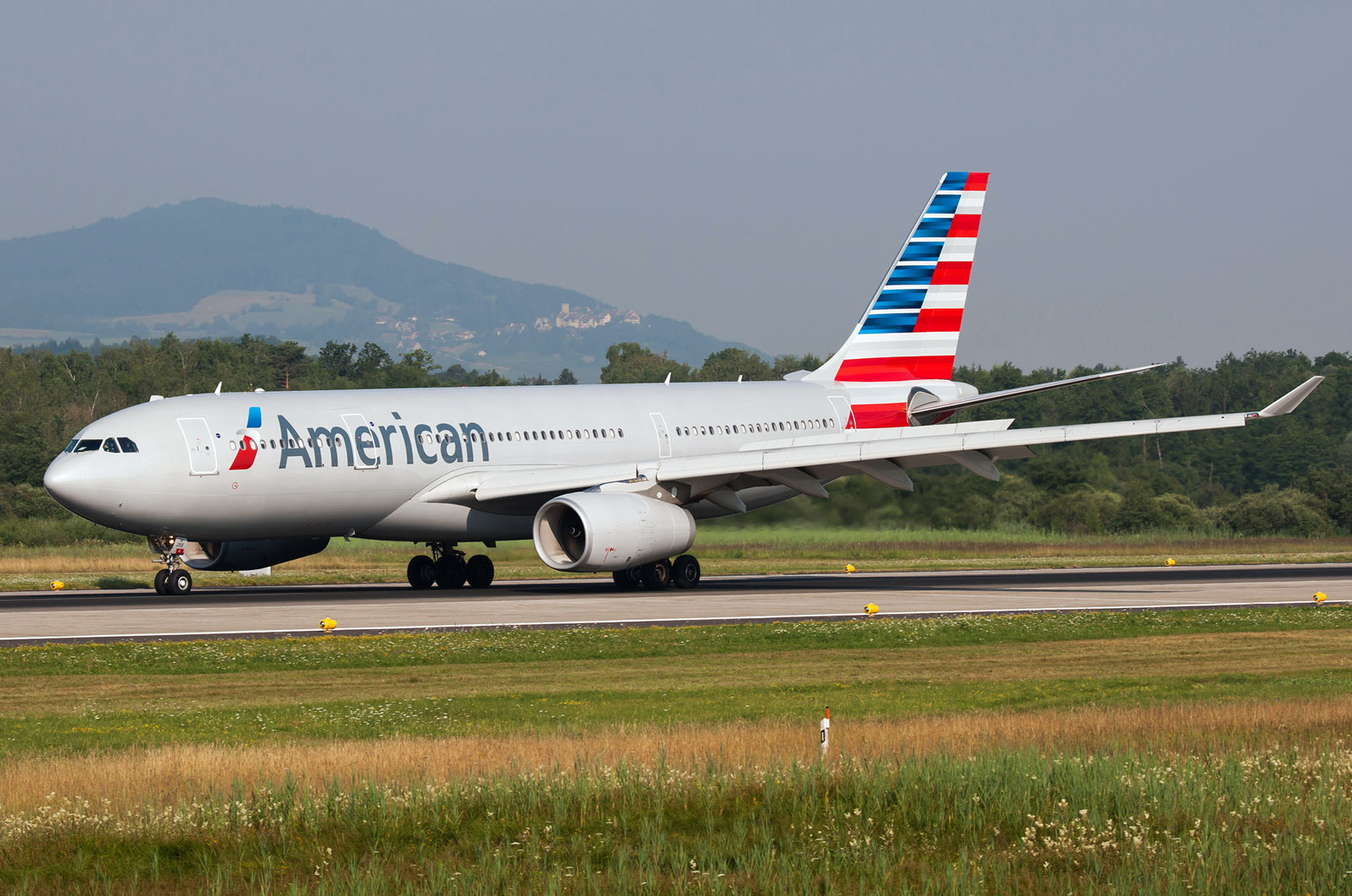 Airbus A330 200 American Airlines Photos And Description