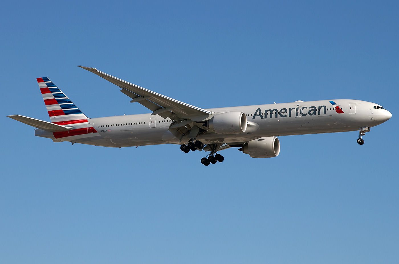 Boeing 777 300 American Airlines Photos And Description
