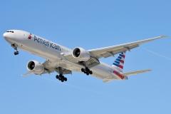 n728an American Airlines Boeing 777-323