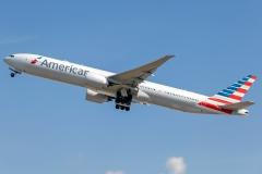 n729an American Airlines Boeing 777-323er