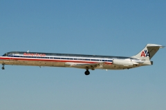 n70425 American Airlines McDonnell Douglas MD-82