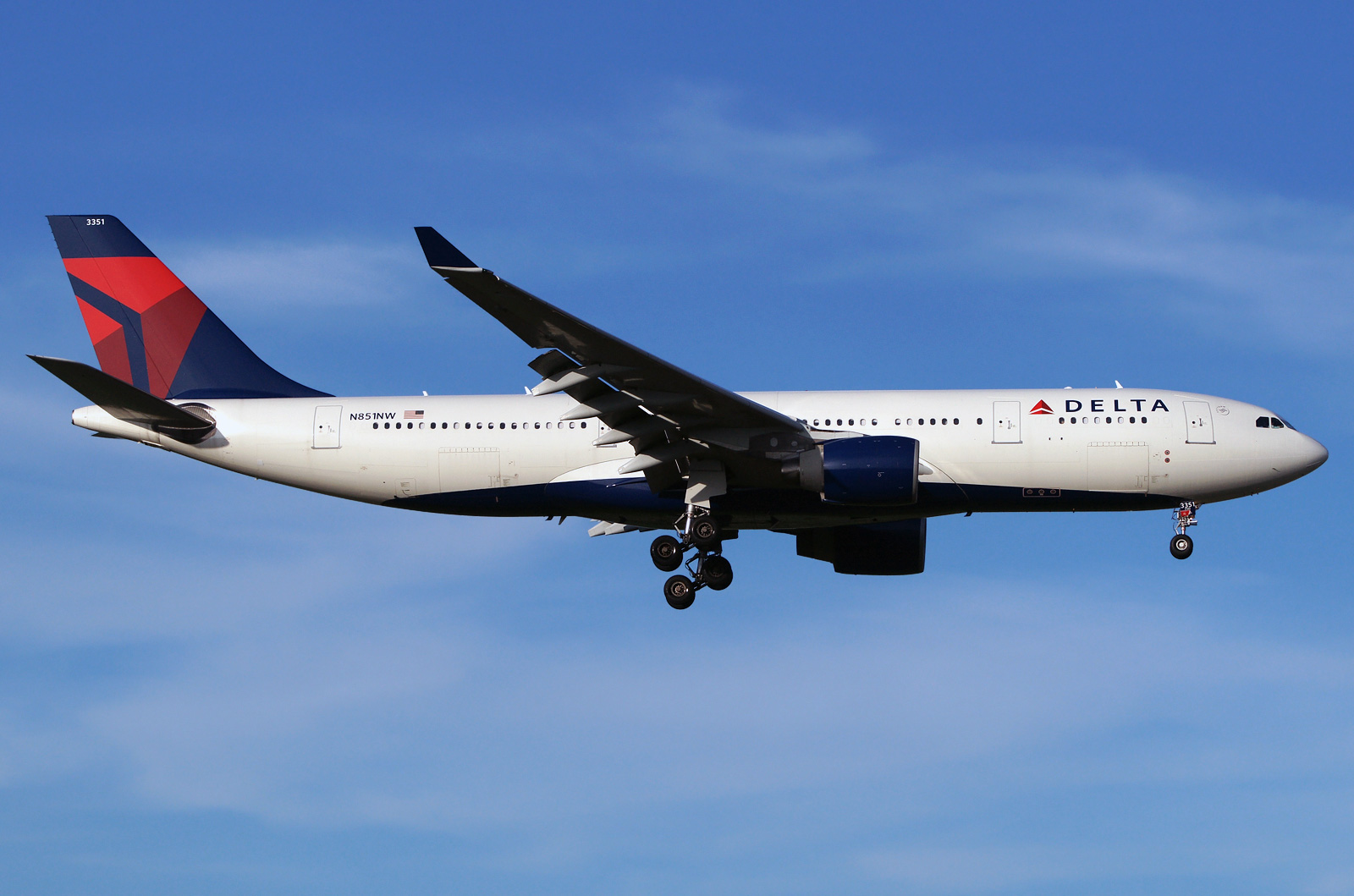 Airbus A330 200 Delta Airlines Photos And Description Of
