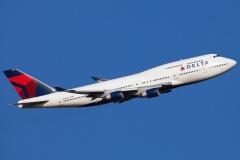 n668us-delta-air-lines-boeing-747-450