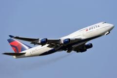 n670us-delta-air-lines-boeing-747-450