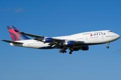 n674us-delta-air-lines-boeing-747-400