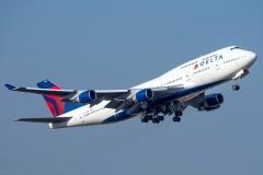 n674us-delta-air-lines-boeing-747-450
