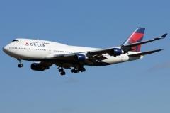 n674us-delta-air-lines-boeing-747-451