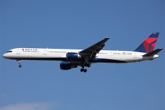 n582nw Delta Air Lines Boeing 757-351
