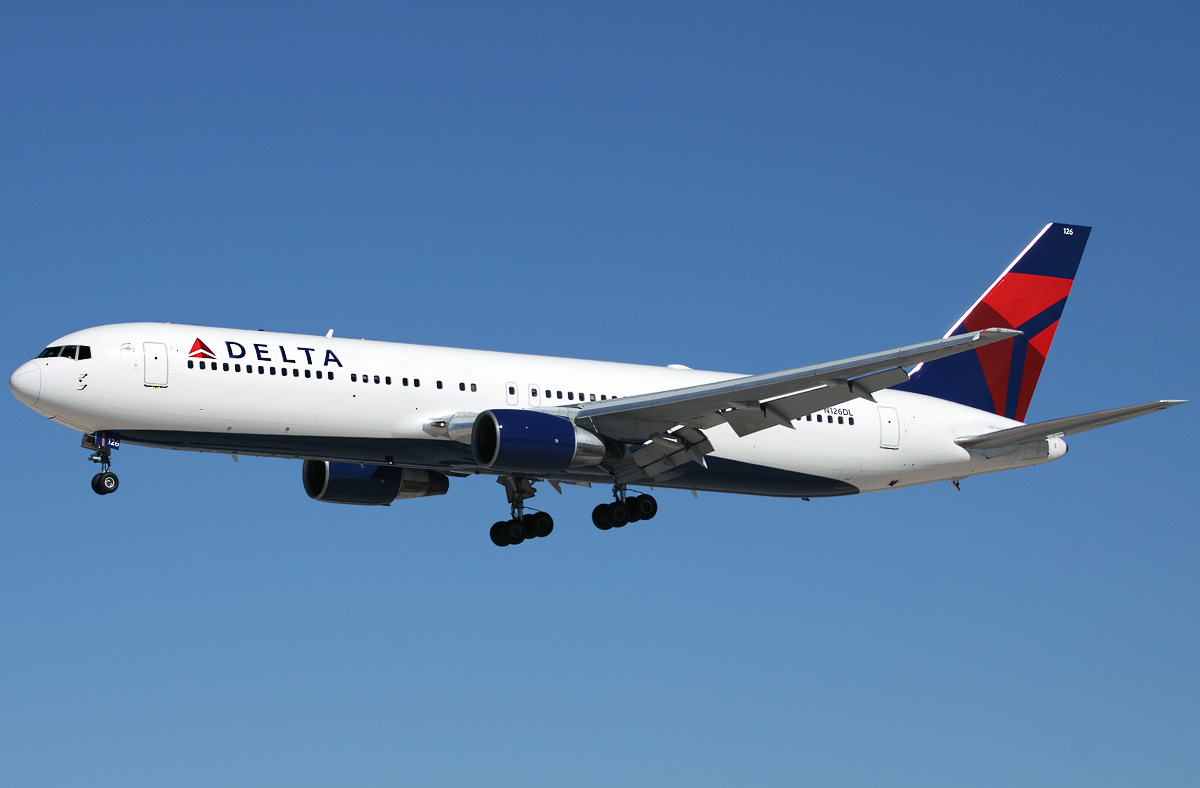 Boeing 767 300 Delta Airlines Photos And Description Of
