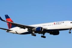 n195dn Delta Air Lines Boeing 767-332erwl