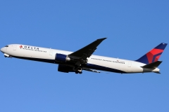 n835mh Delta Air Lines Boeing 767-400