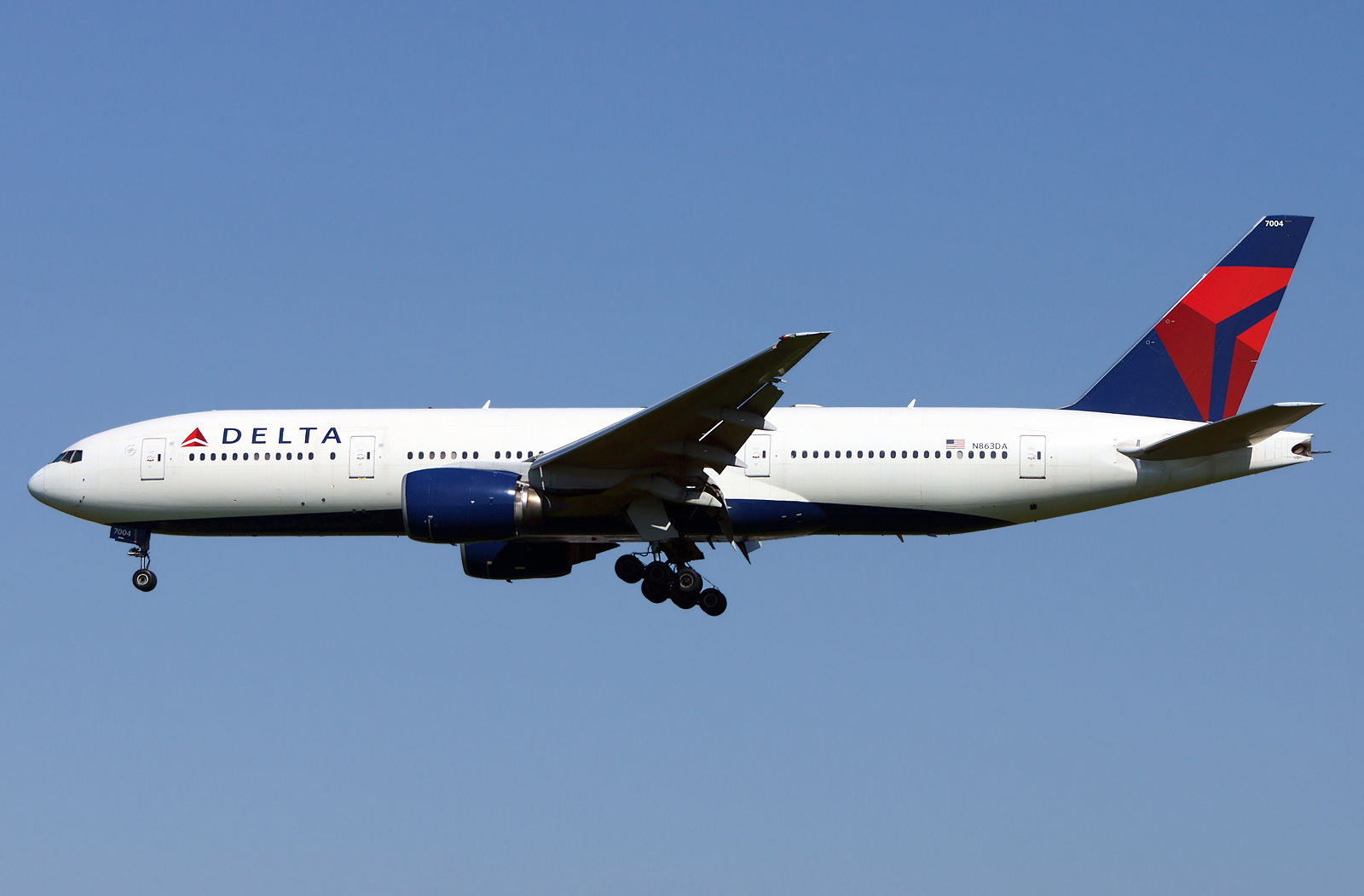 Boeing 777 200 Delta Airlines Photos And Description Of