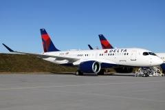 n103du-delta-air-lines-airbus-a220-100