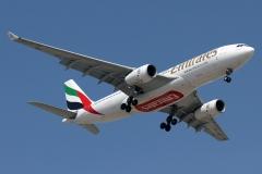 a6-eam-emirates-airbus-a330-200