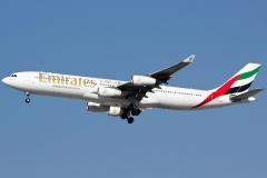 a6-erm-emirates-airbus-a340-313