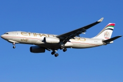 a6-dcb-etihad-airways-airbus-a330-243f
